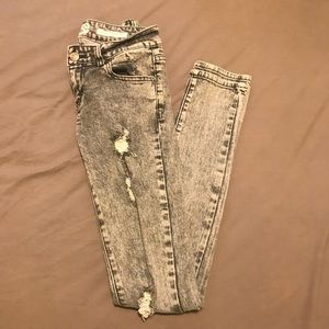 Denim - Grey acid washed skinny jeans